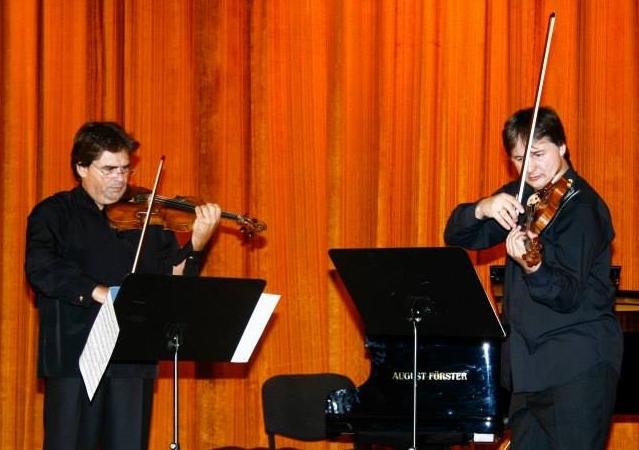 Stradivarius şi Guarneri la al patrulea duel