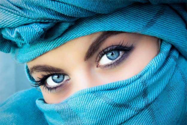 Machiaj pentru ochii albaștri; nuanțe și secrete pentru un machiaj reușit