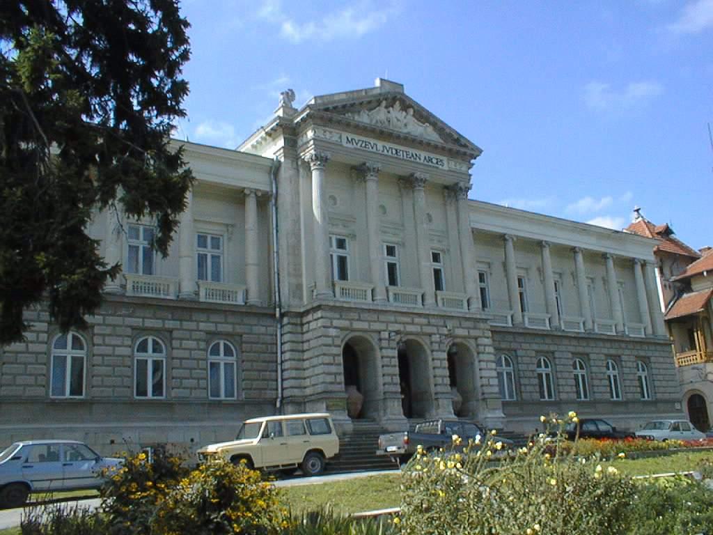 Simpozion la Muzeul Judeţean pe tema Unirii