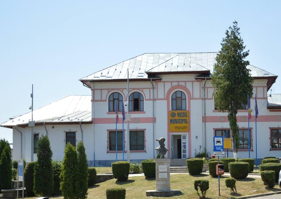 Dublu eveniment la Muzeul Municipal Curtea de Argeș