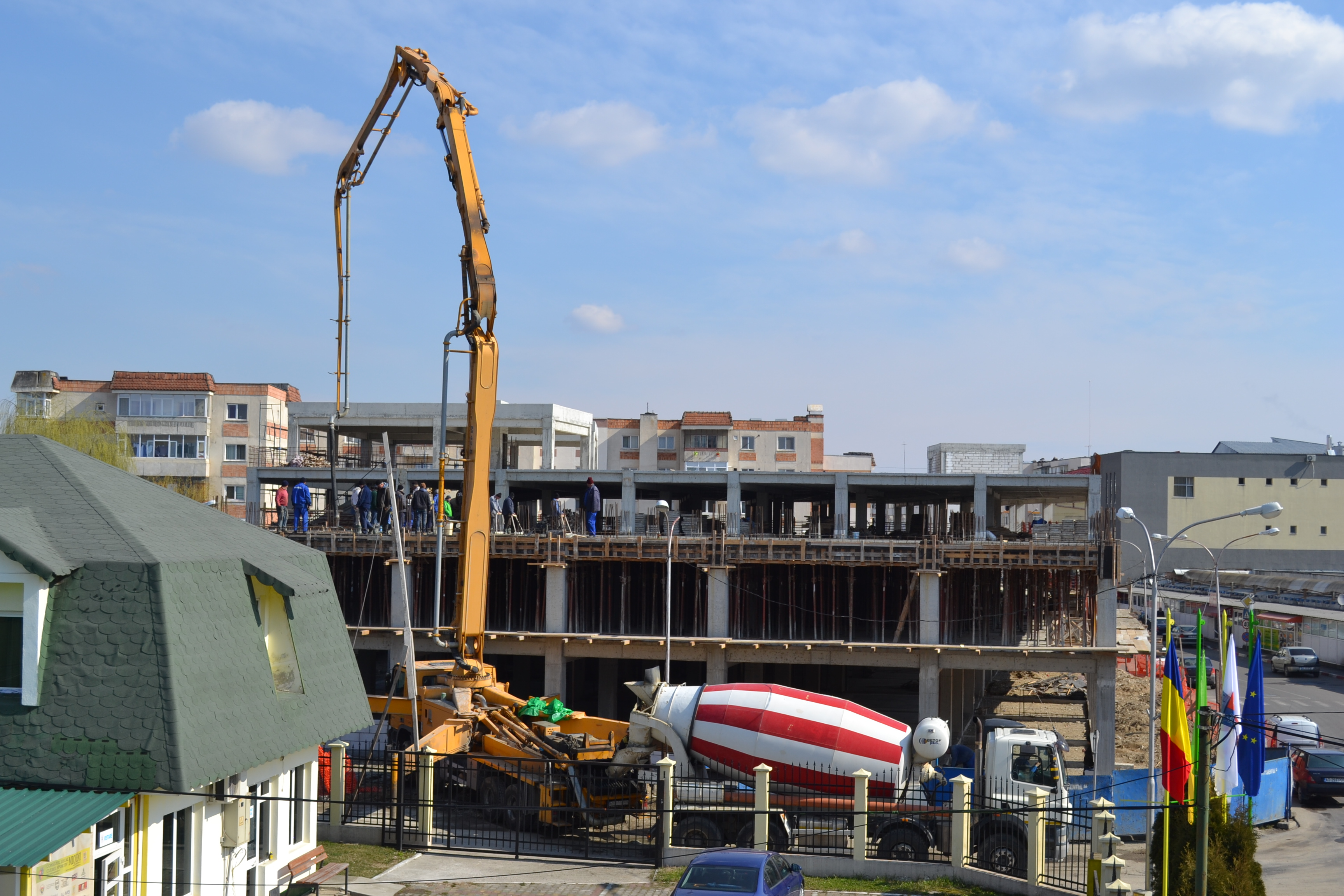Parcarea supraetajată din oraşul Mioveni va fi gata anul acesta