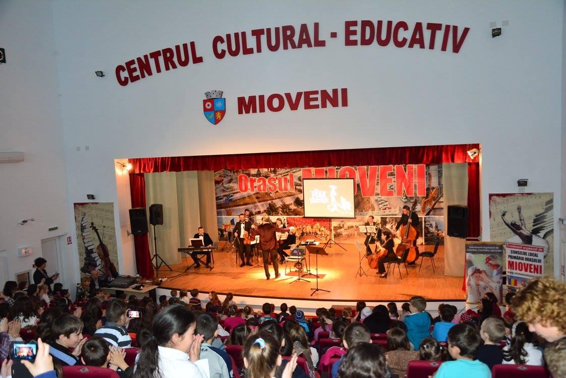 Porți deschise! Peste 500 de copii au venit la Centrul Cultural Mioveni
