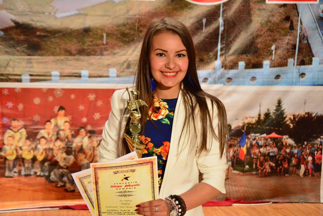 """Flavia Popescu de la Centrul Cultural Mioveni a câştigat Marele Trofeu al Festivalului """"Staruri pentru Italia"""""""
