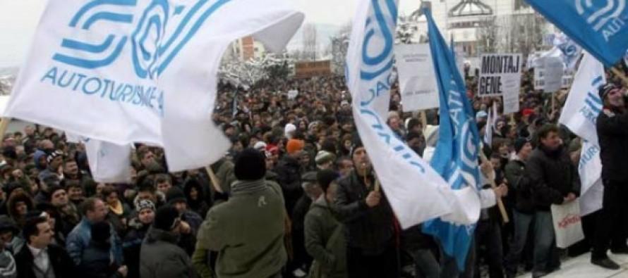 Dacia: protest la Prefectură!