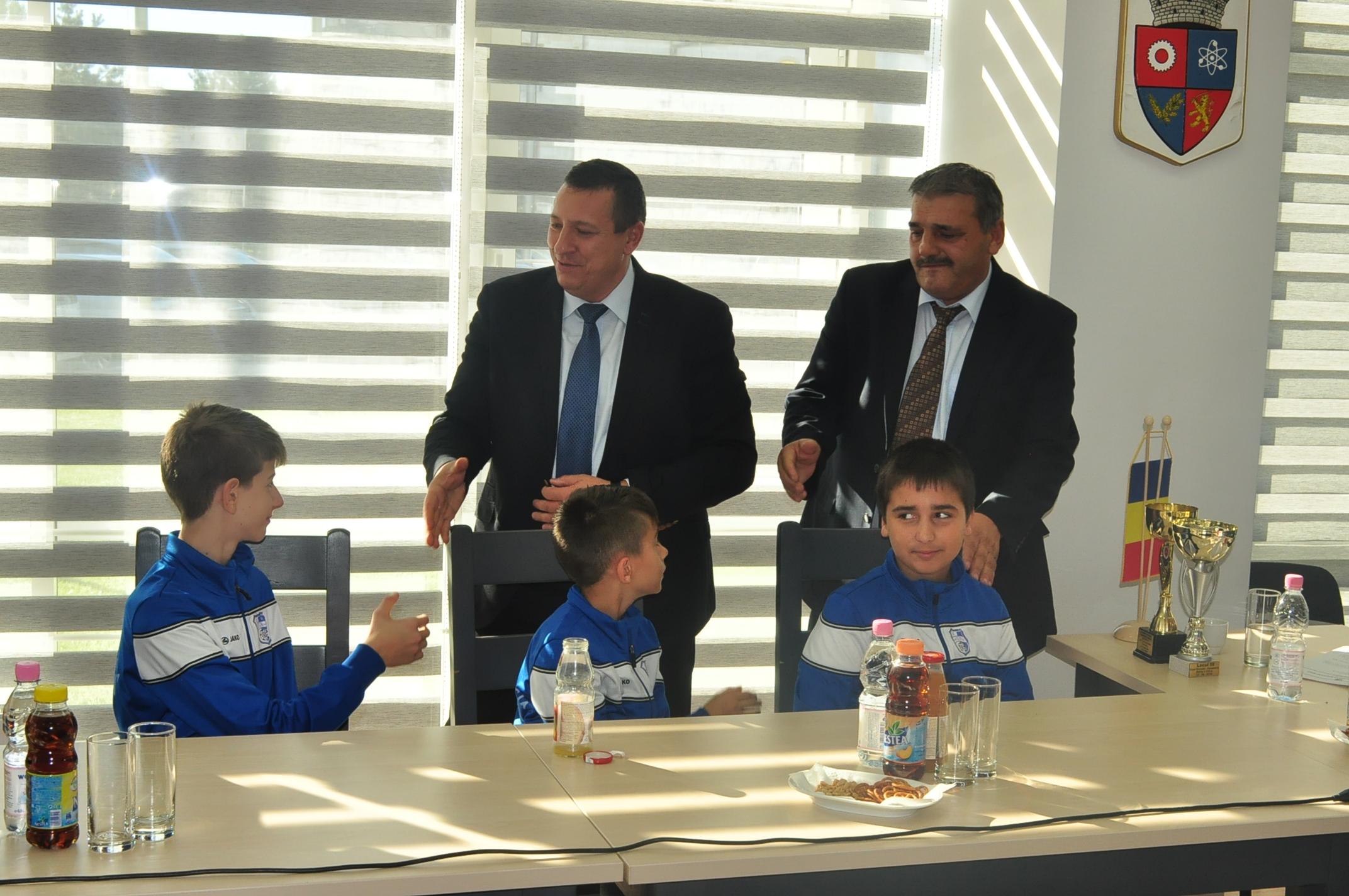 Karatiştii din Mioveni, felicitaţi pentru rezultatele obţinute