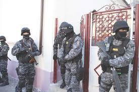 REŢINUT DE POLIŢIŞTI PENTRU ÎNŞELĂCIUNE ŞI UZ DE FALS
