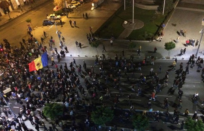 Piteştiul, codaş la protestatari