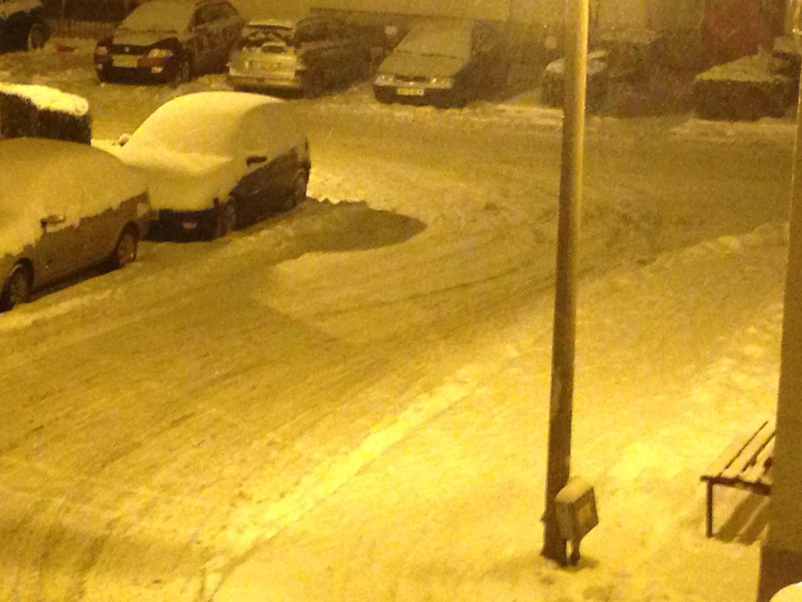 Piteşti şi Mioveni, paralizate de prima zăpadă! Autorităţile luate iar prin surprindere de IARNĂ!