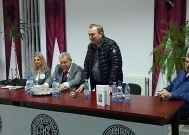 Fostul ministru de Interne Doru Viorel Ursu şi-a lansat ultimele cărţi la Curtea de Arges