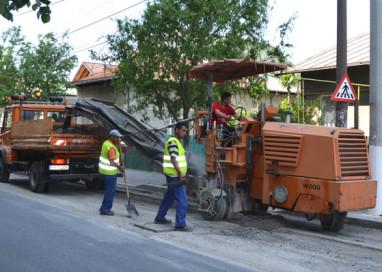 Se lucrează şi pe drumul naţional Piteşti-Slatina