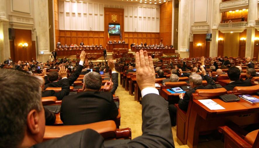 Vaccin gratuit pentru parlamentarii argeşeni