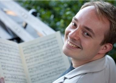 Concert extraordinar la Filarmonica Pitești susținut de celebrul pianist Matei Varga