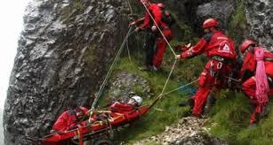 Operațiune de salvare în munți – Femeie căzută în râpă