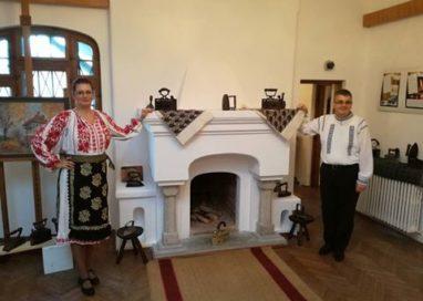 Expoziție dedicată istoriei fierului de călcat, la Muzeului Municipal Curtea de Argeș