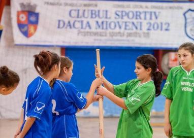 Echipa de oină din Mioveni, la Campionatul Naţional de la Reşiţa