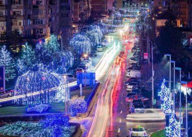De Moș Nicolae, la Mioveni, se aprind luminile de Sărbători
