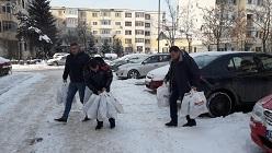 Polițiștii argeșeni au fost cu daruri, la copiii din Centrul de Plasament Găvana