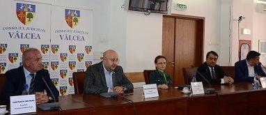 Reprezentanţii Ministerului Transporturilor dă asigurări :  Anul acesta vor fi scoase la licitaţie tronsoanele I şi V ale autostrăzii Pitești- Sibiu
