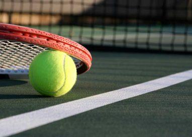 Tenis de ţinută la Curtea de Argeş