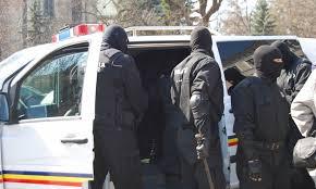Proxeneții din Curtea de Argeș eliberați din arestul preventiv