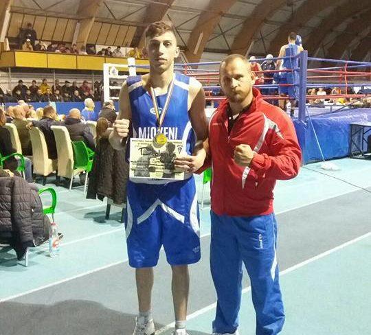 Box: Argeșeanul Marius Dumitru, în finala Campionatelor Naționale de box de la București