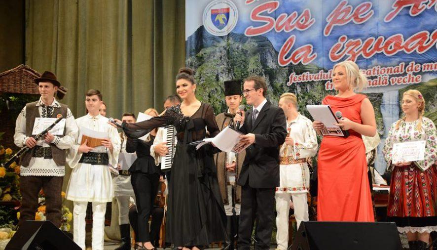 """Festivalul-concurs internaţional de muzică veche """"Sus pe Argeş, la izvoare"""" şi-a desemnat câştigătorii"""