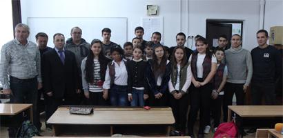 Cadouri de SF Nicolae pentru elevii de la Şcoala Gimnazială Tudor Vladimirescu